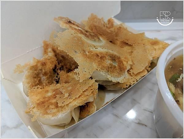 小六鍋貼 (7)