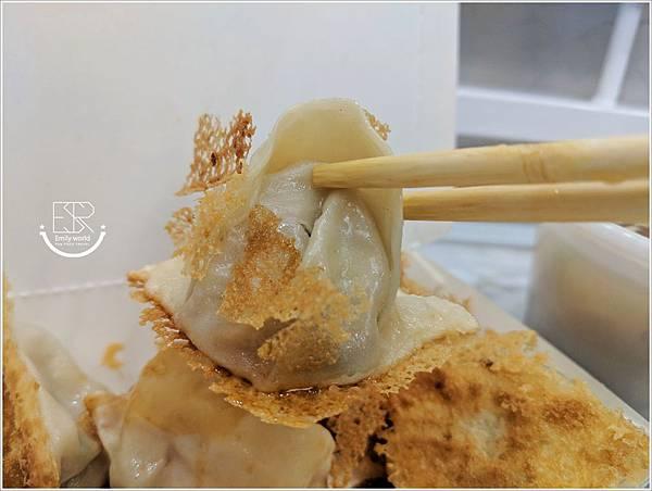 小六鍋貼 (13)