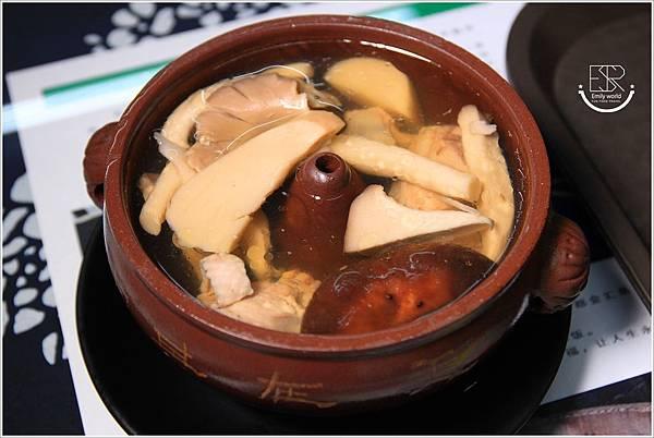 滇味鮮 雲南汽鍋雞 (26)