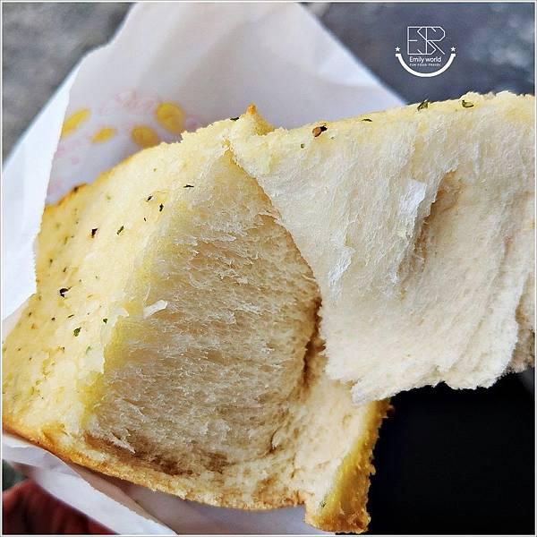 Garlic大蒜麵包 (4).jpg