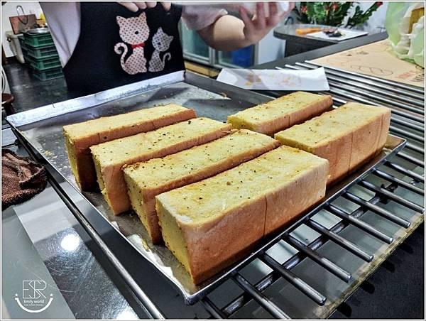 Garlic大蒜麵包 (9).jpg