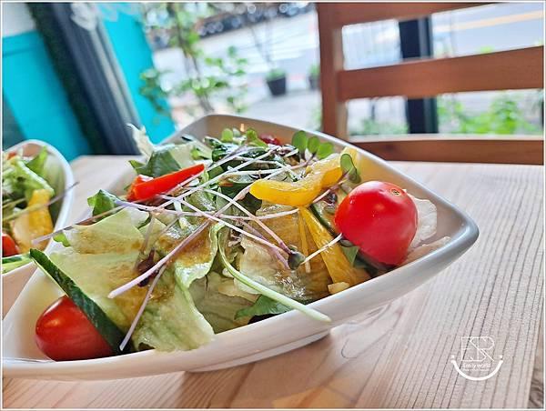 La Olive義式蔬食咖啡館 (9).jpg