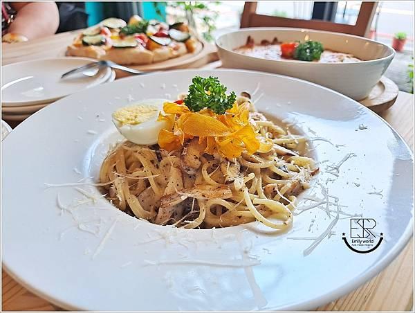 La Olive義式蔬食咖啡館 (15).jpg