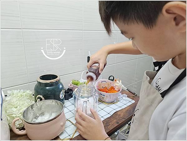 華麗熊RICH BEAR 多功能果汁機 (22).jpg