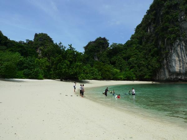 白色的沙灘…藍綠色的海水