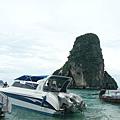 再搭快艇前往下一站…雞島