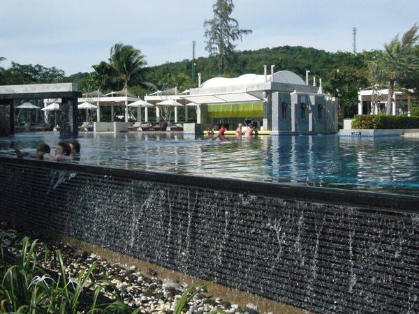 飯店其中一個泳池