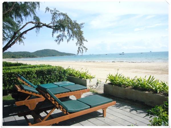 hotel sea2.JPG