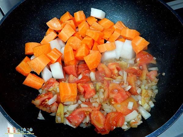 番茄燉牛肉 (5).jpg