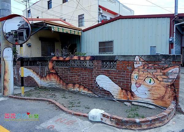 屋頂上的貓 (1).jpg