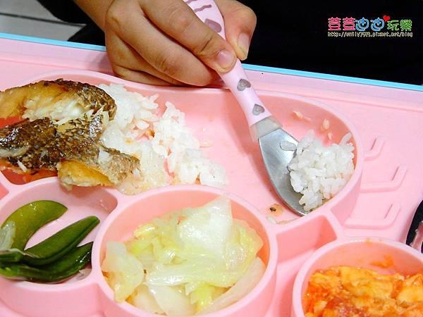 EXPECT兒童矽膠餐盤-防滑餐盤 (5).jpg