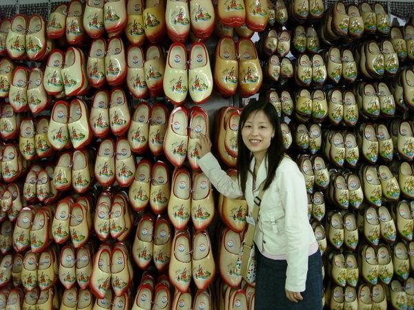 木鞋工廠--好多荷蘭鞋喔~