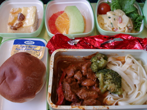 機上第一餐