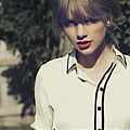 Taylor-Swift-I-knew-You-Were-Trouble-Feature.jpg