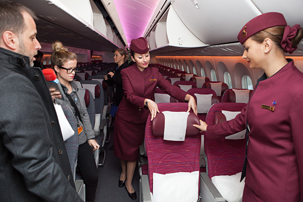 qatar-airways-b787-dreamliner-economy-class-cabin