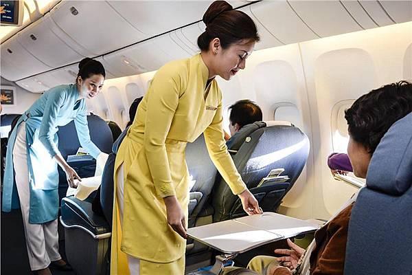 vietnam-airlines-uniform-428