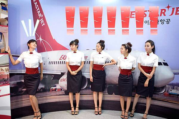 sas2009-korean-flight-attendants-01