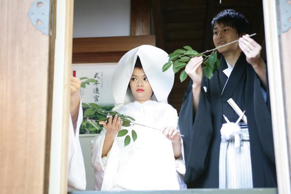 正在練習等一下儀式之一:玉串拜礼