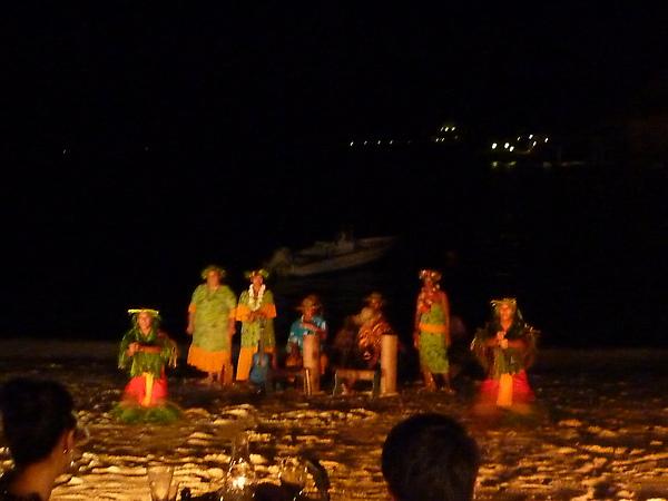 他們的舞蹈我覺得比夏威夷的熱情而且有一種媚惑的感覺