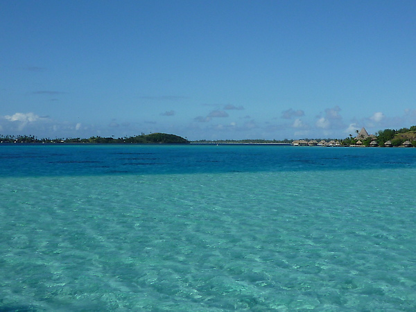 我很喜歡這個雙色的海域,很像我的眼唇卸妝液油水分離的顏色