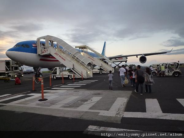 飛日本的飛機一個禮拜只有兩班