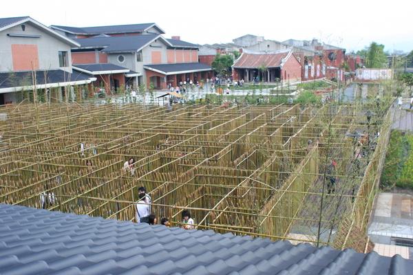 這是竹林迷宮!這絕對不會走不出來的,相信我!
