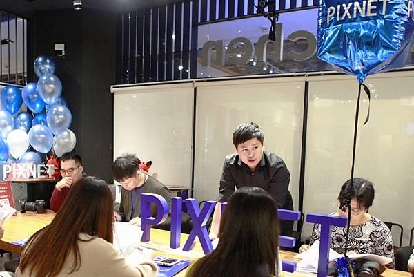 02.PIXNET創辦人劉昊恩與部落客們分享痞客邦站內年菜相關數據.jpg