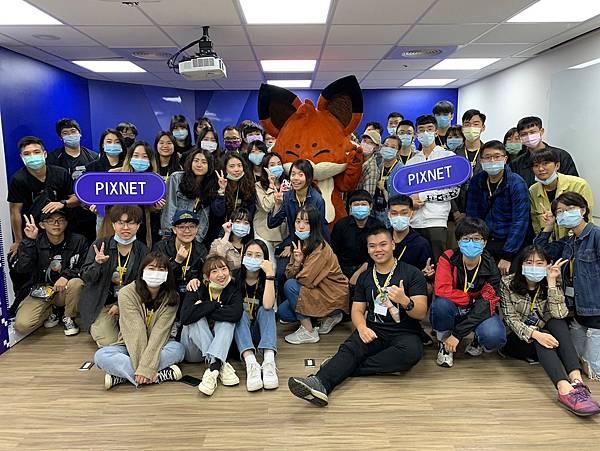 「兩岸青年學生網路電子報創作營」參訪PIXNET,了解社群媒體生態及AI應用。.jpg