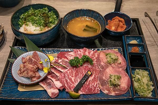 05.單人式燒肉在2020年引起風潮。圖為燒肉Smile 牛肉盛合套餐,痞客邦部落格「Pengu。說真的」提供。.jpg