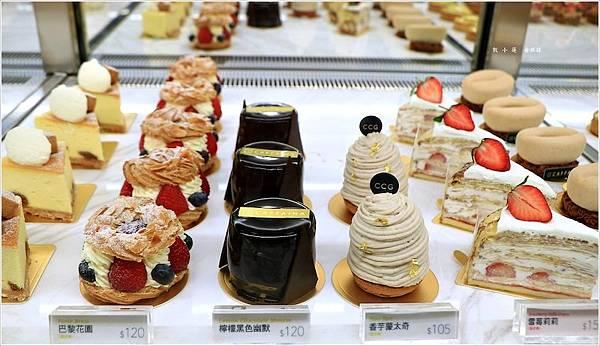 22.卡啡那販售多款法式甜點,圖:痞客邦部落格「敦小蓮の食旅錄」提供。.jpeg