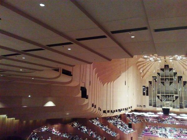 雪梨歌劇院演奏廳-天花板的設計-1.jpg