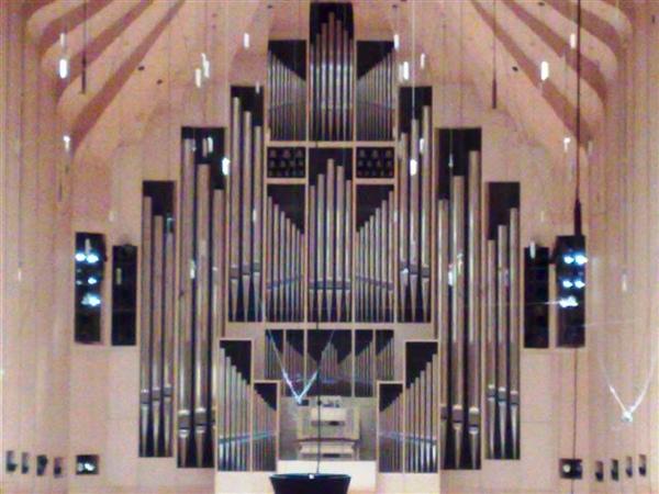 雪梨歌劇院演奏廳-牆上的管風琴-1.jpg
