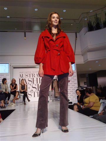 澳洲時尚設計節-第5套衣服1.jpg
