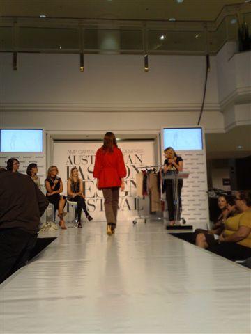 澳洲時尚設計節-第5套衣服2.jpg
