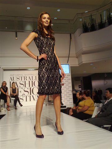 澳洲時尚設計節-第7套衣服1.jpg