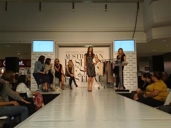 澳洲時尚設計節-第7套衣服3.jpg