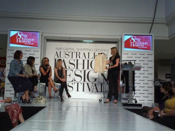 澳洲時尚設計節-趨勢之一-蕾絲.jpg