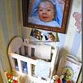 嬰兒床一角.jpg