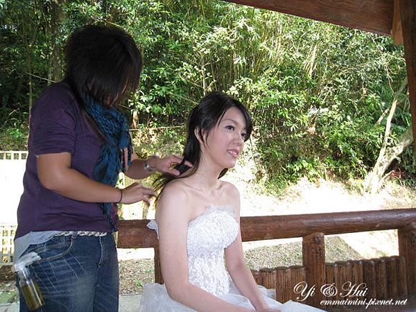 婚紗側拍18-第二天夢湖換白紗造型.jpg