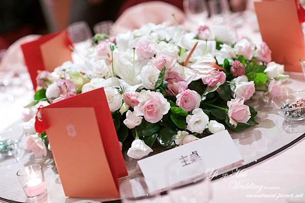 婚宴會場24-主桌.jpg
