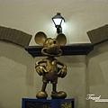 美國Day1(33)飯店大廳居然有米奇雕像!