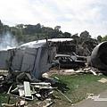 美國Day2下午(38)湯姆克魯斯演的電影(世界大戰)飛機墜毀陰燃的場景