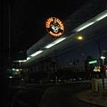 美國Day4上午(07)出發了~清晨還昏暗的拉斯維加斯街頭~.jpg