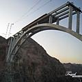 美國Day4上午(09)還在建的天橋.jpg