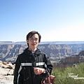美國Day4上午(36)後面是壯麗的大峽谷~深的吶!!.jpg