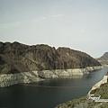 美國Day4下午(05)回程又經過一次胡佛水壩區壯麗的山河~~.jpg