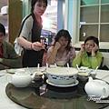 美國Day4下午(56)連團員都開始覺得怎麼又是中式料理啊~~我們要吃美式料理啦!!.jpg