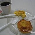 美國Day6(01)這間旅館早餐很精簡~~但是是我愛的美式早餐~~好吃!.jpg