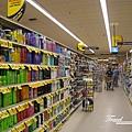 美國Day6(09)超級市場內~這美式超級市場非常大間~~.jpg
