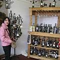 美國Day6下午(22)每個酒瓶都化身成為鋼鐵人了!!^O^~.jpg